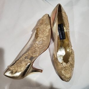 Stuart Weitzman gold mesh & floral applique heels
